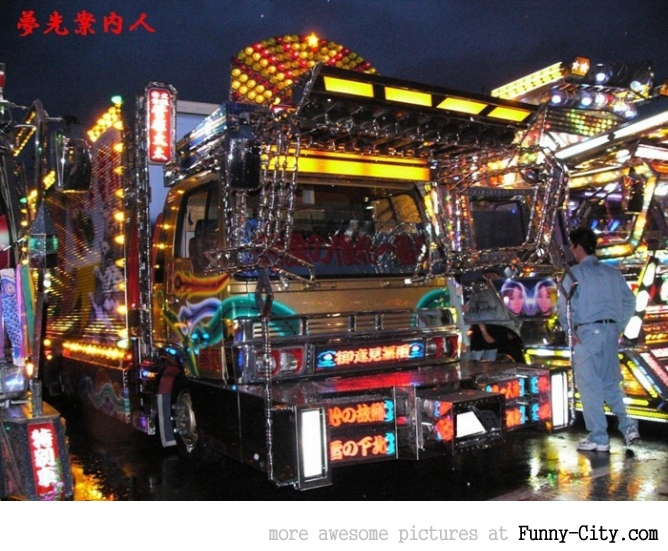 20 Japanese Bling Bling Trucks [315]