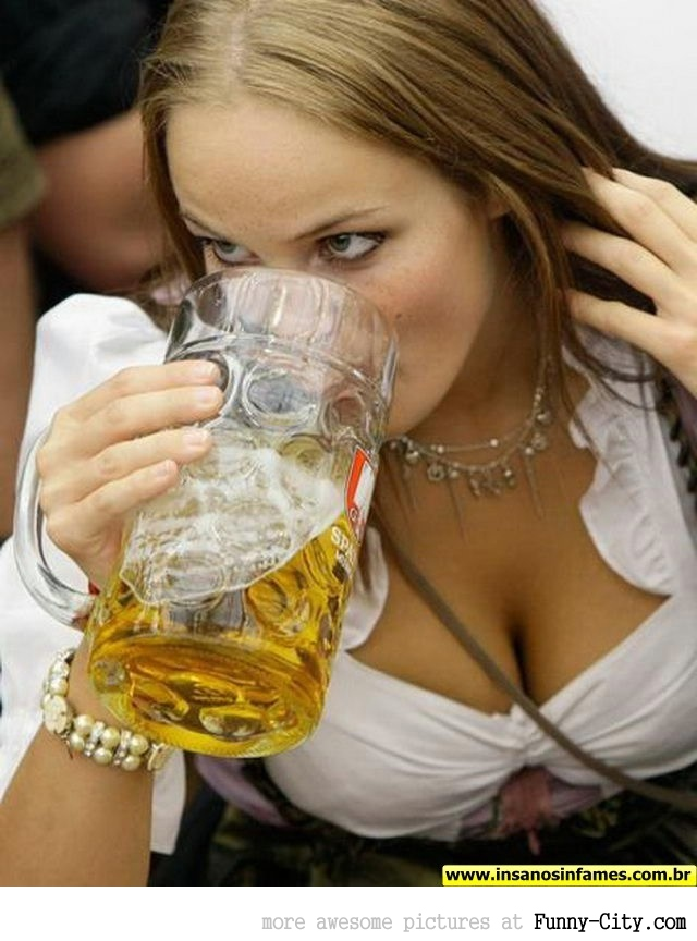 Hayden Panettiere, Kim Kardashian and the other Oktoberfest girls of 2011 [2025]