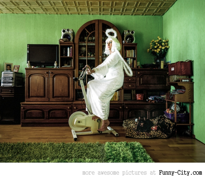Just the Two of Us: Portraits of Cosplay Enthusiasts in their Homes by Klaus Pichler [14 photos] [5966]