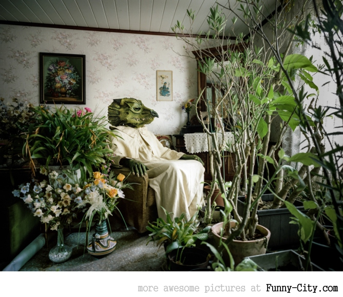 Just the Two of Us: Portraits of Cosplay Enthusiasts in their Homes by Klaus Pichler [14 photos] [5969]