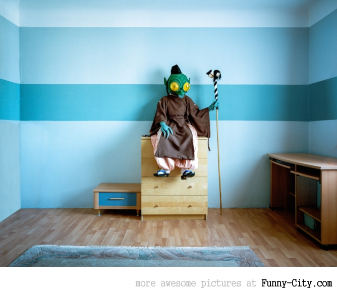 Just the Two of Us: Portraits of Cosplay Enthusiasts in their Homes by Klaus Pichler [14 photos] [5970]