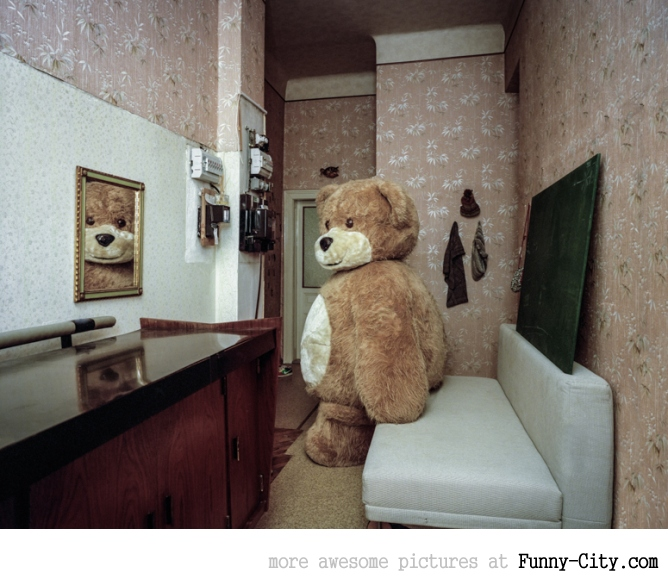 Just the Two of Us: Portraits of Cosplay Enthusiasts in their Homes by Klaus Pichler [14 photos] [5971]