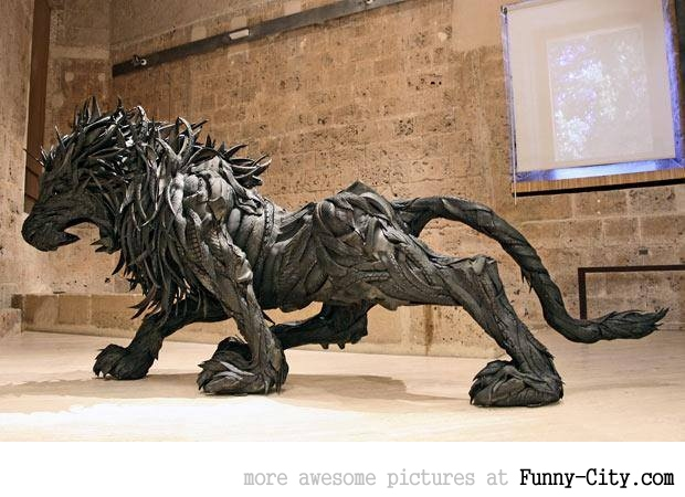 Sculptures made from recycled old tires [19 pics] [7179]
