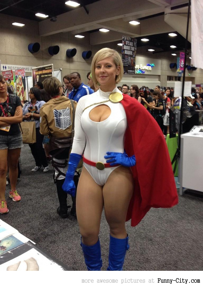 Awesome Power Girl cosplay.
