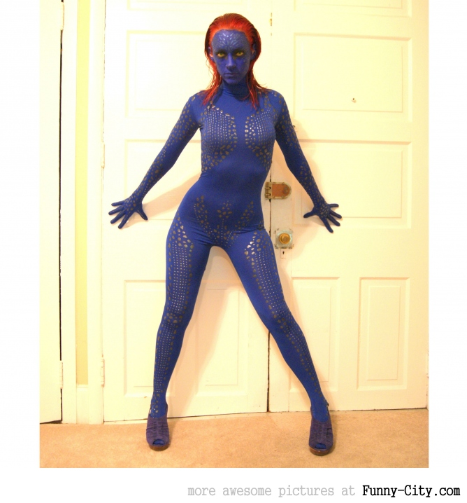A simple selfmade mystique costume