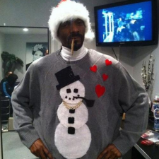 Snoop's got the holiday spirit