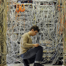 Cabling done right (8 photos)